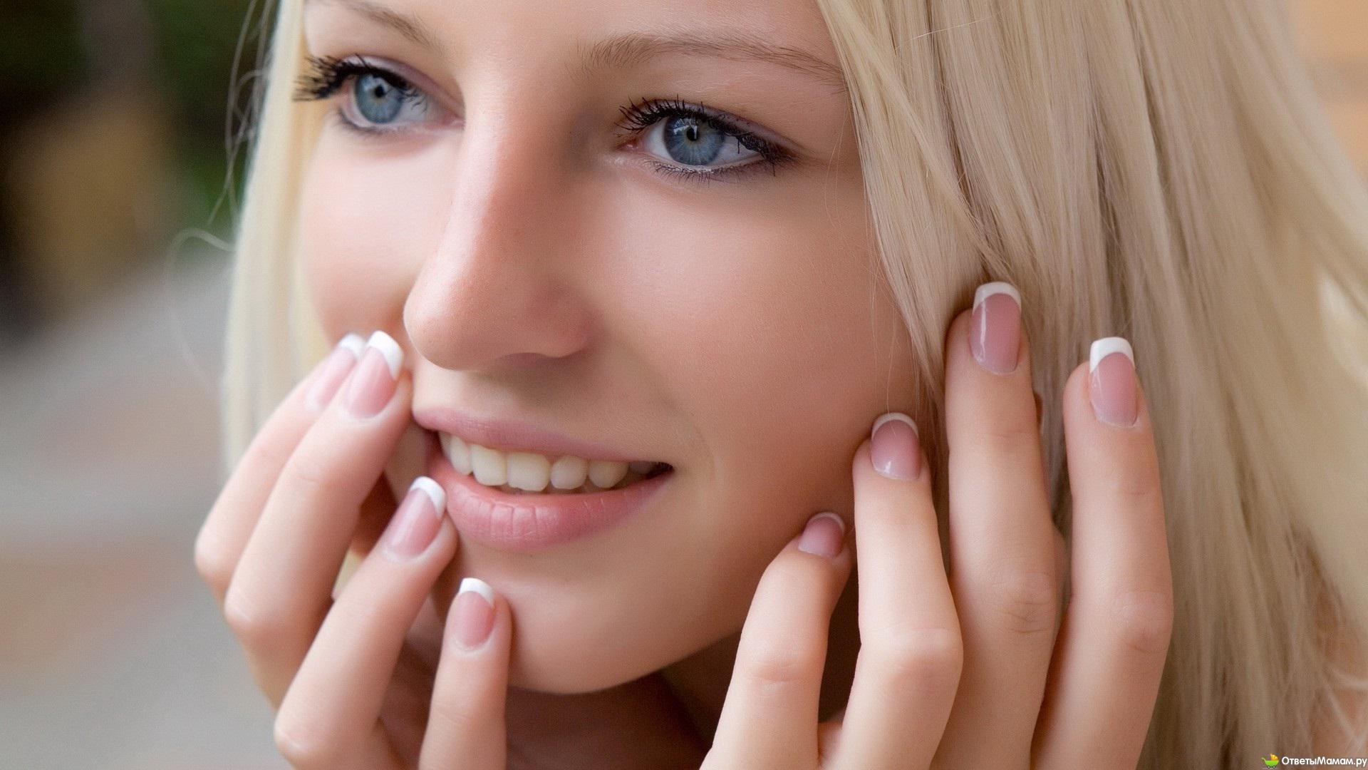 Фото девушек блондинка с родинкой на лице 21 фотография