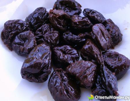 Можно ли кушать чернослив при беременности и в период лактации?